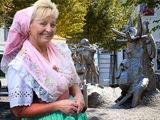 Milena in Spreewälder Festtracht, Foto: Konstantin Balke, Lizenz: Spreewald-Touristinformation Lübbenau e.V.