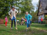 Historische Kinderspiele im Freilandmuseum Lehde , Foto: Peter Becker, Lizenz: Museum OSL