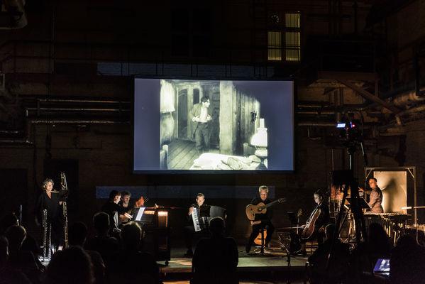 Auch beim Festival zu erleben: Ensemble Quillo mit Helmut Oehrings SEVEN SONGS for SUNRISE. Hier zu sehen bei der Uraufführung in Eberswalde., Foto: Tom Schweers, Lizenz: Tom Schweers