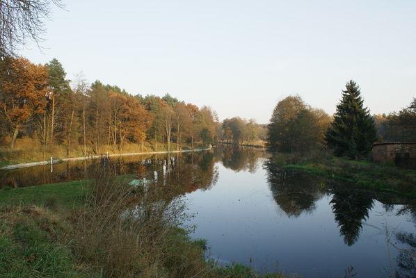 Herbststimmung an der Grafenbrücker Schleuse